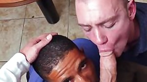 Flash straight truck driver getting gay blow job..
