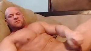 Straight Bodybuilder Cums In His Own Mouth