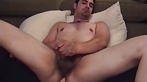 Cute guy luvs dildoing his rear while jerking..